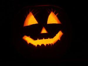 Halloween Party - ausgehöhlter Kürbis