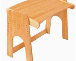 Kinderschreibtisch aus Holz