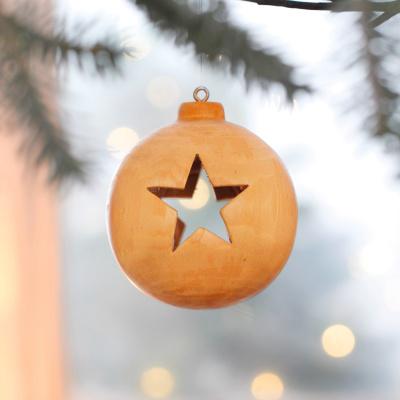 Weihnachtskugel aus Holz